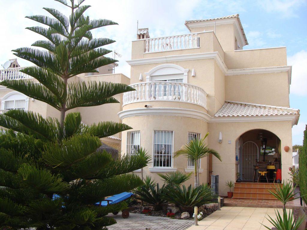 Обмен недвижимость испания